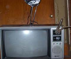 tv-with-pliers